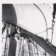 Pullistuvat purjeet; Yksityiskohta