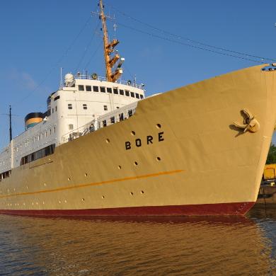 Näyttely Bore-laivalla